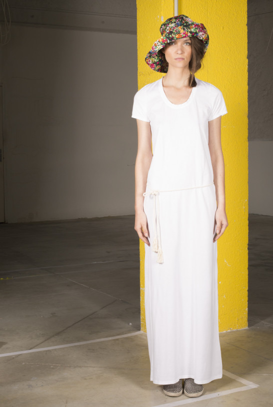 Robe longue blanche manches courtes Drolatic